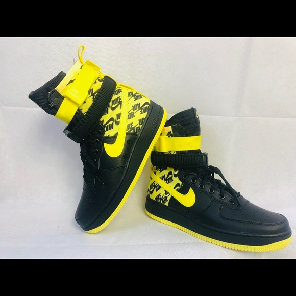 Nike SF Air Force 1 Mens 8.5 Black Dynamic Yellow NWT 43b879969